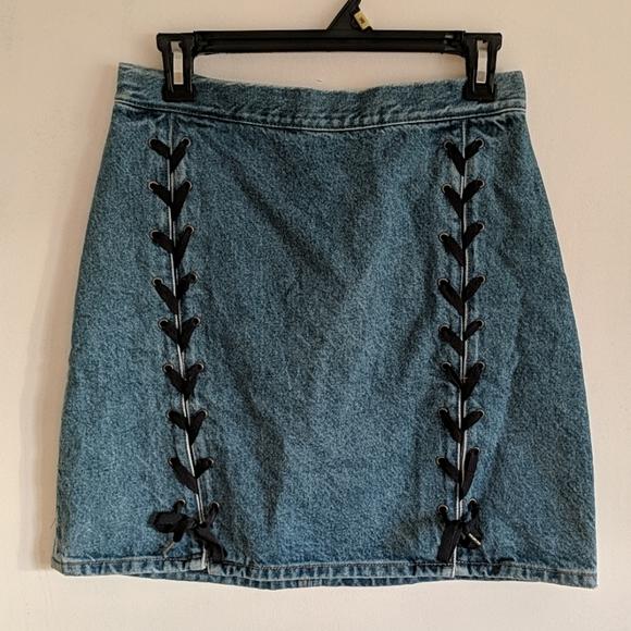 H&M high-waisted mini skirt